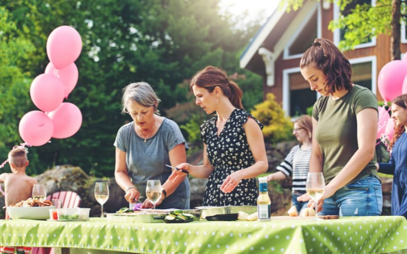How To Prepare Your Garden For A Family Dinner
